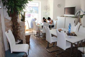 Make-up 3 Techniken in einer Ausbildung @  Revolution-Beauty Resort Solingen | Solingen | Nordrhein-Westfalen | Deutschland