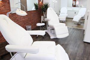 Make-up 2 Techniken in einer Ausbildung @ Revolution-Beauty Resort Solingen | Solingen | Nordrhein-Westfalen | Deutschland